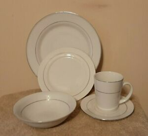 GIBSON HOME PLATINUM  SILVER ON WHITE DINNERWARE SET, SERVICE FOR 4
