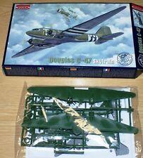 Douglas C-47 Skytrain von Roden 1/144
