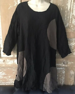 COMFY USA crinkle top medium black w/ circles laganlook oversized art to wear