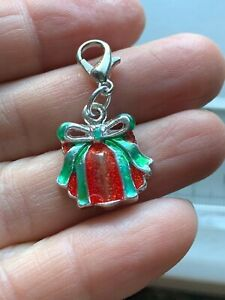 Face mask charm Gift Present Stocking Stuffer Red Green Xmas Christmas Clip on