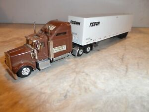 HO SCALE  TRACTOR AND TRAILER   CRST WITH RADON  TRAILER