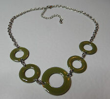 """LOVELY OLIVE GREEN ENAMEL RINGS SHORT SILVER PLATED CHAIN NECKLACE 16"""" 40 cm"""