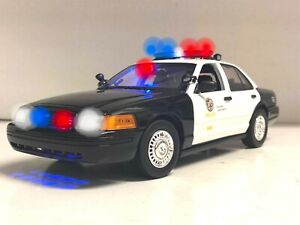 Los Angeles POLICE LAPD Ford Crown 1/18 Arjent Light Bar WORKING Lights & SIREN