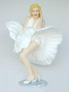 Marliyn Monroe Statue life size hollywood stars