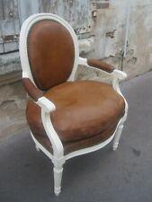 Fauteuil médaillon style Louis XVI