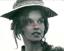Photo argentique Geneviève Bujold chapeau hat cinéma film