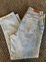 LL Bean Women's Double L Relaxed Jeans Size 16M/T Relaxed Fit Med Wash Blue