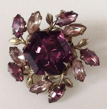 broche vintage floral en relief couleur or navette cristaux améthyste / 116