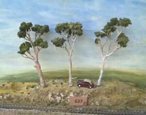 AUSTRALIAN MODEL GUM TREES  HO  OO  Lot 627