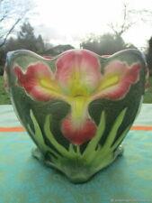 Pot de fleurs ancien en faïence de barbotin Iris Art Nouveau France Antique  flo