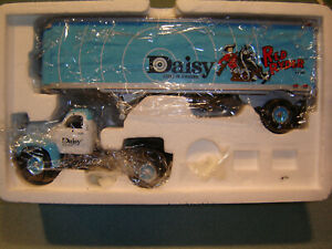 1ST GEAR 1960 MACK MODEL B-61 DAISY RED RYDER TRACTOR & TRAILER 1:34 SCALE
