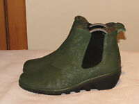 FLY LONDON 'PREP' GREEN LEATHER WEDGE CHELSEA ANKLE BOOTS UK 4 EUR 37 RRP £99