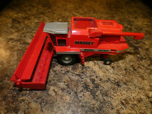 Massey 8590  Combine---- Vintage Scale Models -----10th National Toy Show 1987