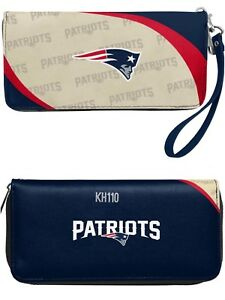 NFL New England Patriots Curve Zip Organizer Women's Wallet