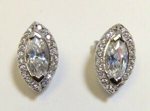 925 Sterling Silver Classy White Topaz Stud Earrings Platinum Embraced 4.70 Gr