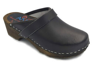 AM-Toffeln 100 Clogs in Dark Brown - Wooden Footbed