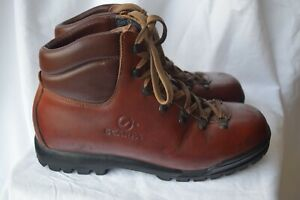 Scarpa natural tan leather hiking boots...size 42, US 9