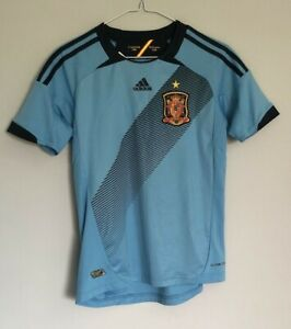 Boys Spain away football shirt size 11-12 years Adidas 2012