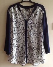 BNWT Ladies Blue & White Leaf Patterned Top from Papaya sizes 8,12,14,18,20