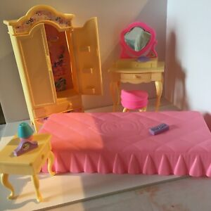 Barbie Vintage Folding Pretty House Bedroom Furniture And Accessories 1996