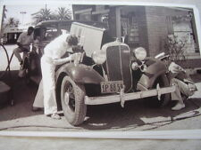 1933 CHEVROLET  AT GAS STATION GETTING FULL SERVICE  11 X 17  PHOTO  PICTURE
