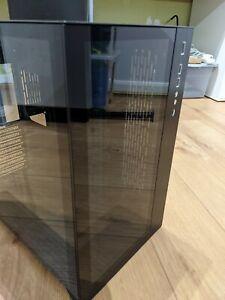 Lian Li PC-O11 Dynamic Midi Tower, Tempered Glass - Black