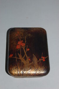 Small gold lacquer box for incense or cosmetics, bird in plum tree, Japan