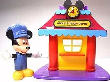 Mickey's Mouse Clubhouse Train Depot & Mickey Figure Engineer Magical Choo Choo