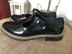 Clarks Somerset Patent T Bar Black Ladies Shoes Size 4.5 D
