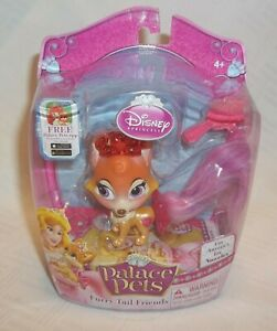 Disney Princess Palace Pets Furry Tail Friends Auroras Fox Nuzzles figure
