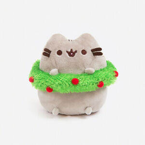 OFFICIAL PUSHEEN x GUND | MINI PUSHEEN CHRISTMAS WREATH PLUSH