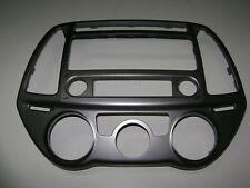 Verkleidung original HYUNDAI i20 für Autoradio neu Ersatz
