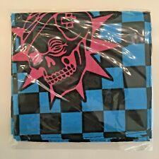 Mezco Toyz Fair Pink Skulls Chaos Club bandana Exclusive Gomez Krig