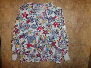 Crest LONG SLEEVE HEARTS,STARS,FLOWERS SCRUB TOP SIZE M (2 POCKETS)SNAPS,WARM-UP