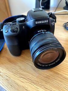 Samsung NX30 digital camera