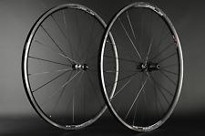 """Set di pedali bicicletta da corsa DT SWISS 350 r411 28"""" SAPIM CX RAY 1545g NUOVO"""