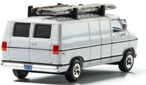 HO Scale - WORK VAN with Driver & Ladders on Top - WOO-AS5366