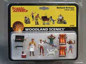 WOODLAND SCENICS BACKYARD BARBEQUE O GAUGE TRAIN FIGURES grill dog chair WDS2765