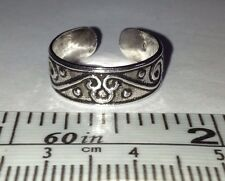 Toe Ring. Free Shipping in Usa Sterling Silver, Swirls & Curls design Adjustable
