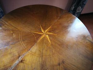 Tavolo da gioco e quattro sedie in Noce Direttorio / Luigi Filippo fine 1700
