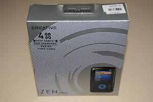 Creative ZEN V Plus Black/Blue 4GB Digital Media MP3 Player Rare Collectible New