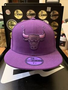 """CHICAGO BULLS NEW ERA 59FIFTY """"LEAGUE POP"""" Collection Purple Fitted Hat Sz 7-1/4"""