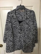 KIM ROGERS WOMAN BLACK/WHITE BLOUSE WITH BUILT IN TANK AND NECKLACE SIZE 3X
