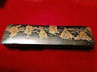 PLUMIER NAPOLEON |||, en bois laqué noir avec un decor chinois peint en doré