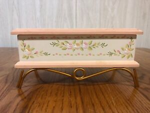 Jewelry Box Wood Hand painted Stand Metal Gold Tone Cottage Romantic Chic