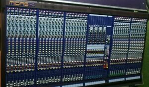 Midas Verona 400 40 Channel (56 Input) Mixing Console with Roadcase