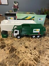 Fisrt Gear Waste Management Refuse Truck Mack