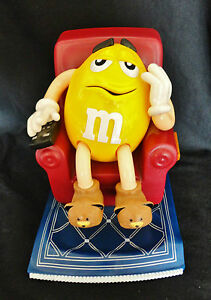 1999 M&M Candy Dispenser Lazy Boy Chair Yellow Peanut Guy Remote Candy Holder