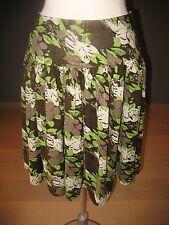Soaked in Luxury rok met groen en bruin bladerenmotief