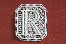Oblong letter/initial R - sew-on lace motif/applique/patch/craft/card making